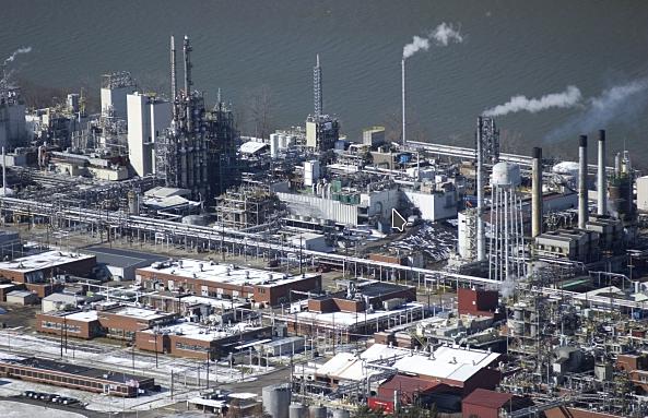 Craig Holman | Dispatch file photo DuPont's Washington Works chemical plant on the Ohio River