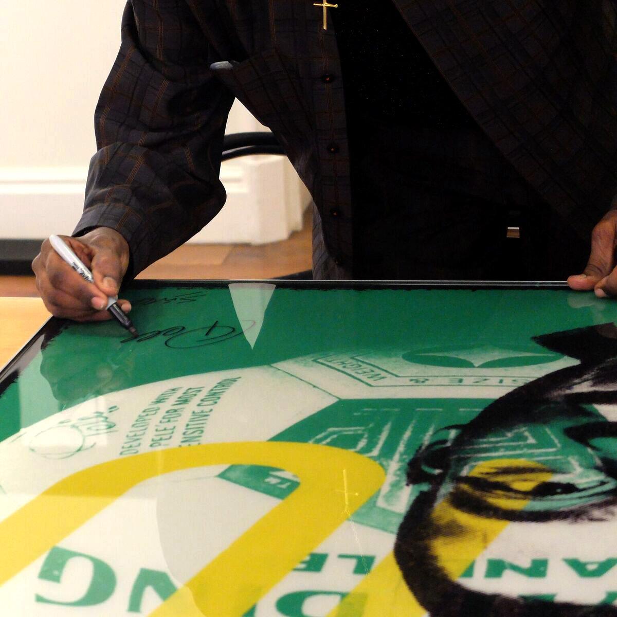 Louis Sidoli Neon Art: Pele Art Life Football - Halyon Gallery - 3