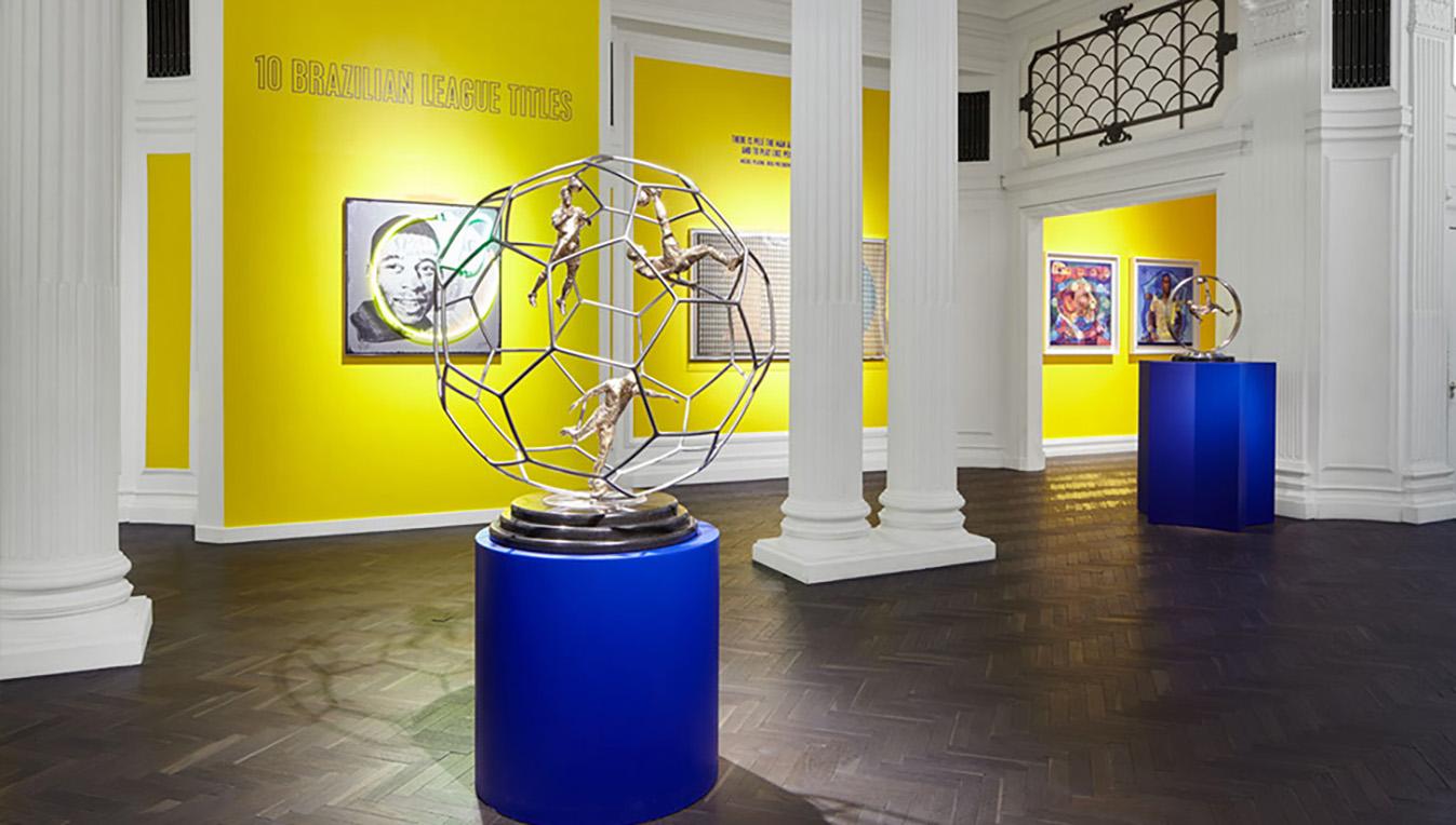 Louis Sidoli Neon Art: Pele Art Life Football - Halyon Gallery - 14
