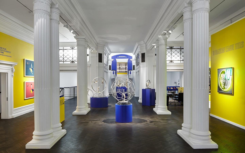Louis Sidoli Neon Art: Pele Art Life Football - Halyon Gallery - 12