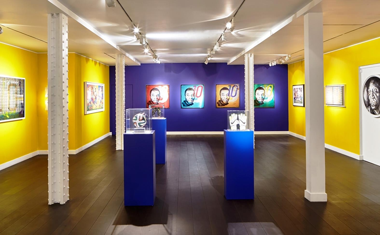 Louis Sidoli Neon Art: Pele Art Life Football - Halyon Gallery - 15