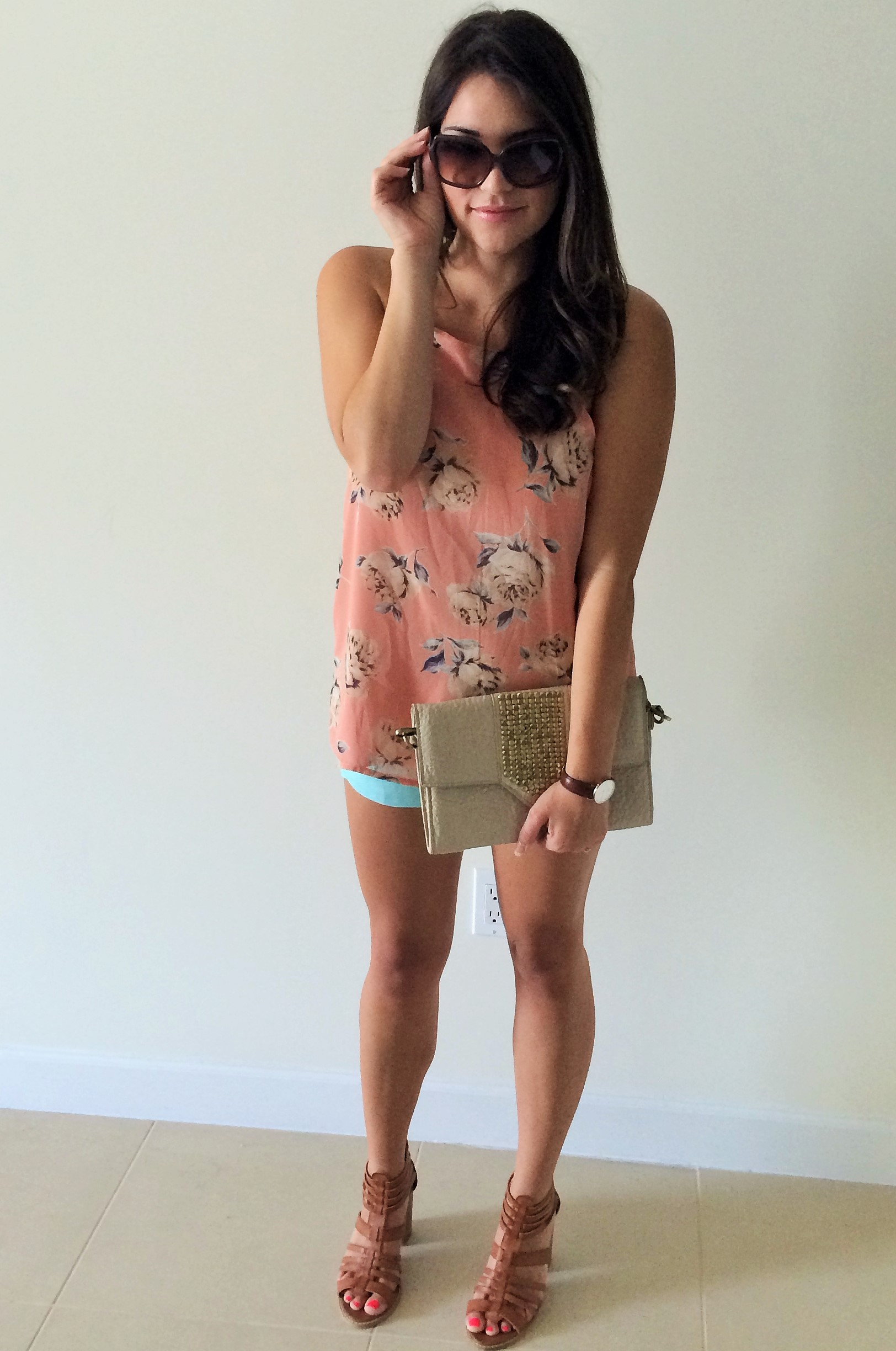 floral shorts outfit 3.jpg