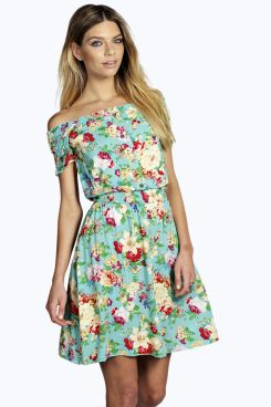 floral boohoo dress.jpg