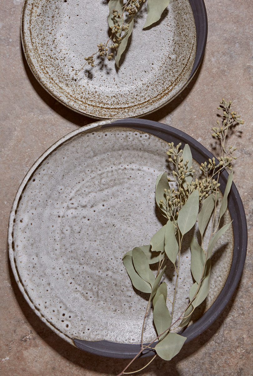 Black Clay Waxing Moon Plates