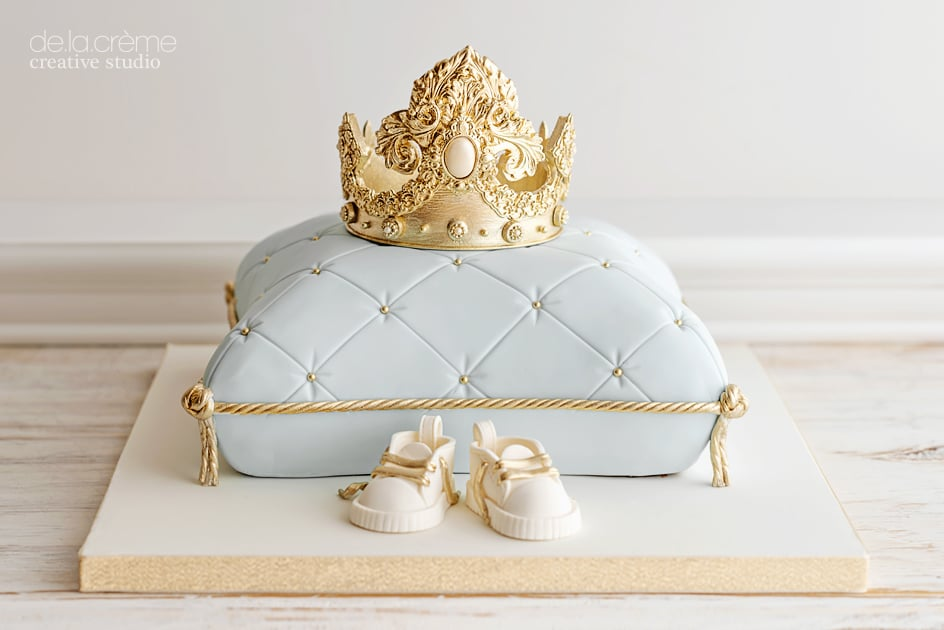 Royalbabyshowercake06.jpg