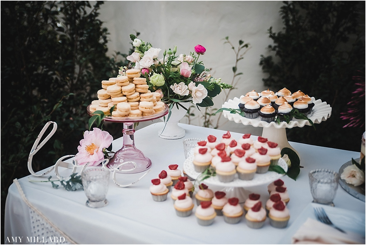 desserttableflowers.jpg