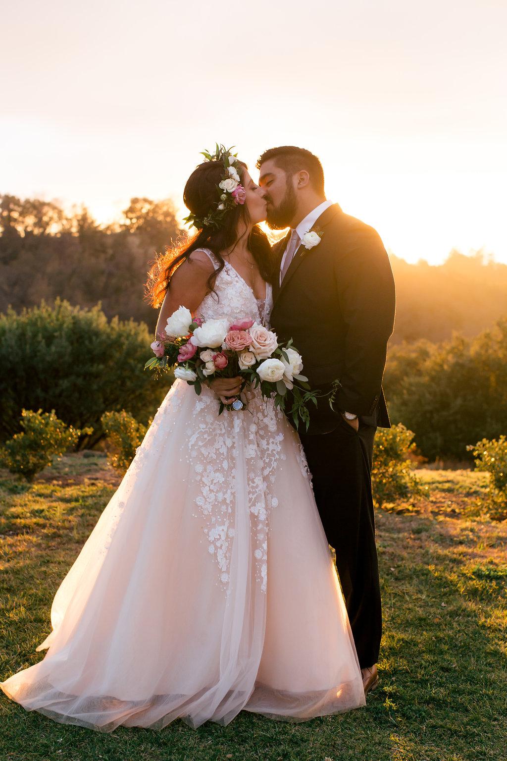 bride and groom flowers -197.jpg