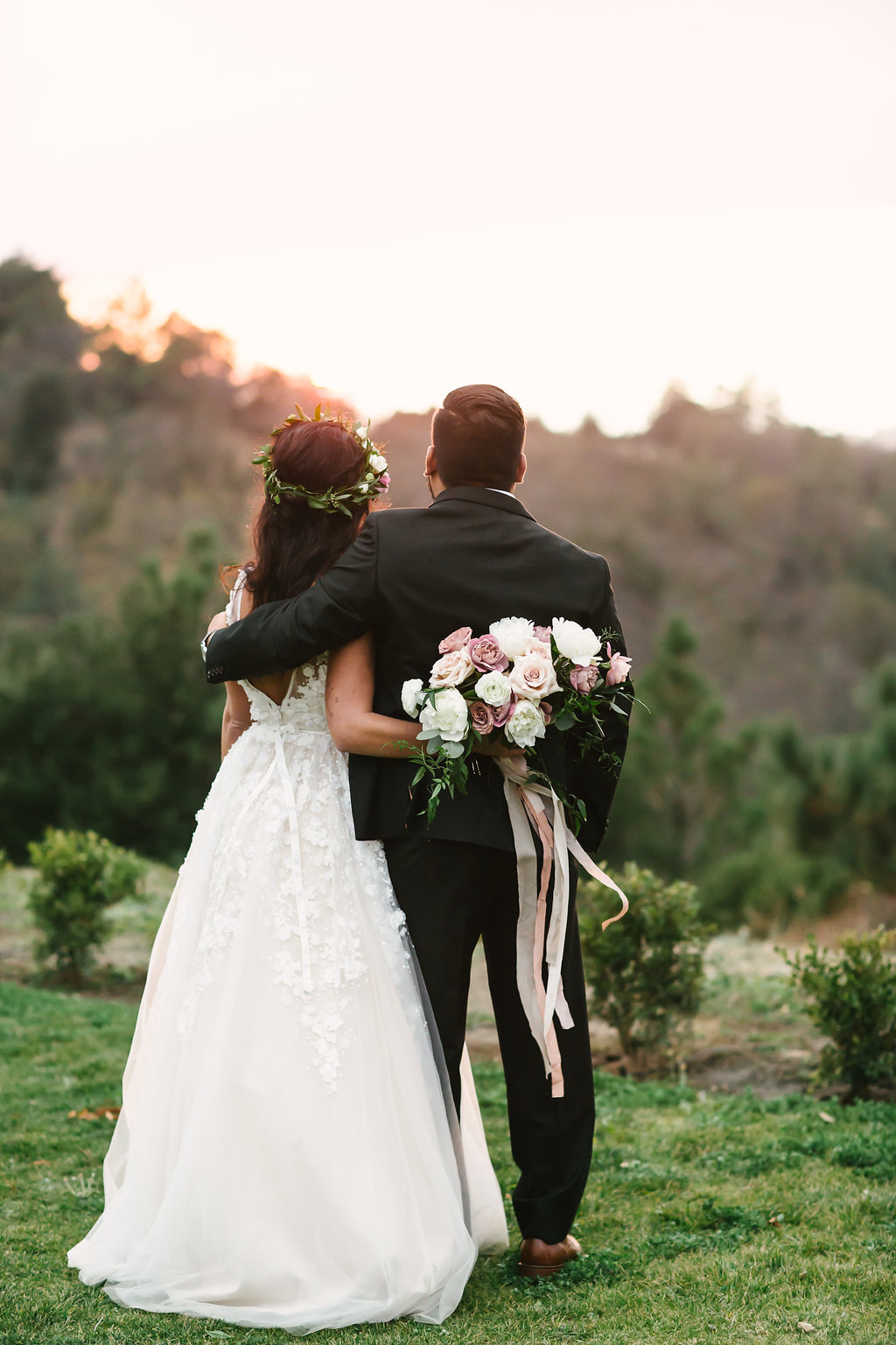 bride and groom flowers -220.jpg