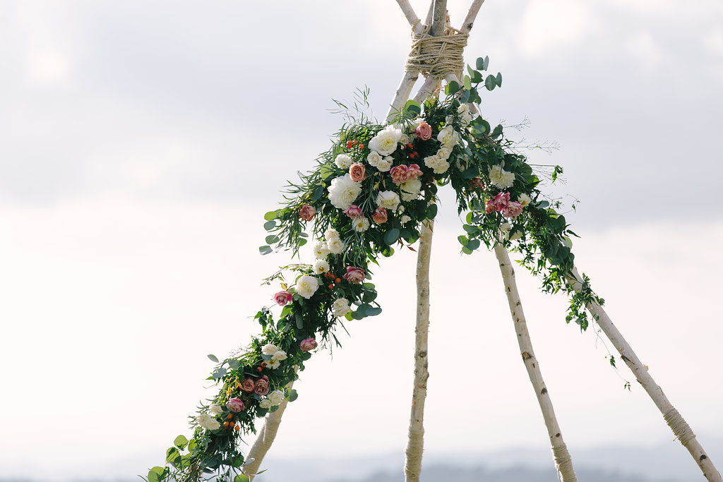 ceremony flowers -30.jpg