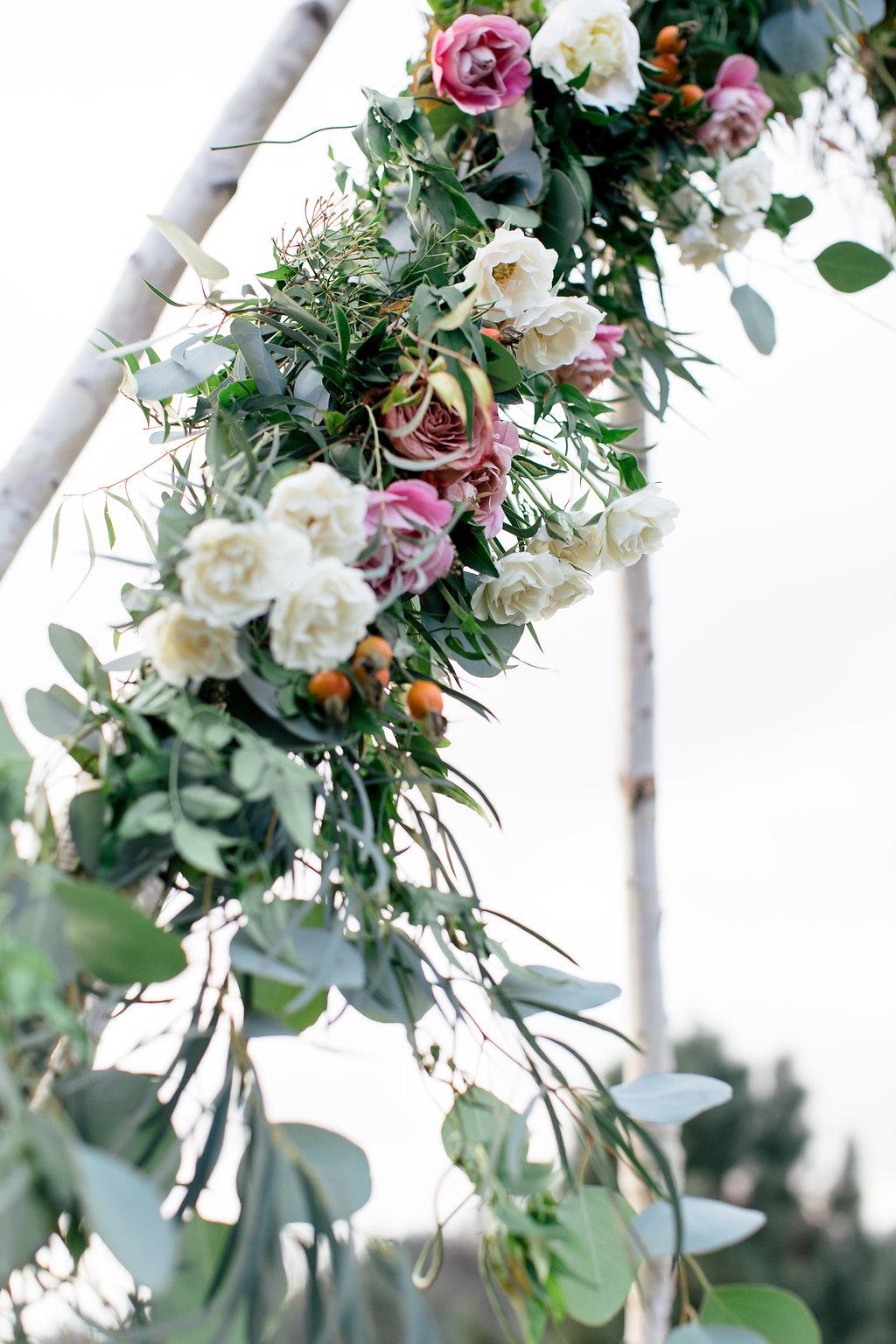 ceremony flowers -110.jpg