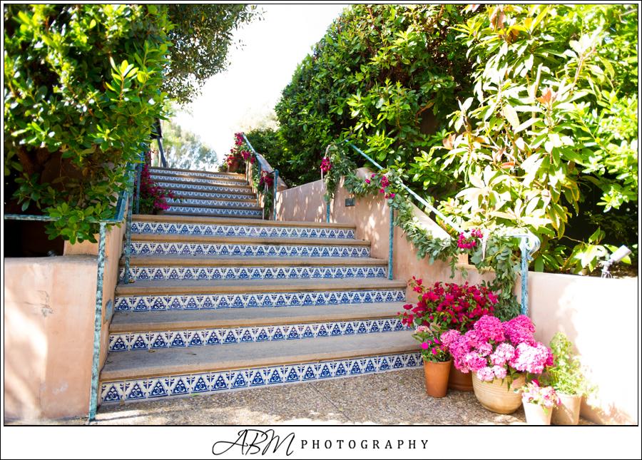 stairway flowers_031.JPG