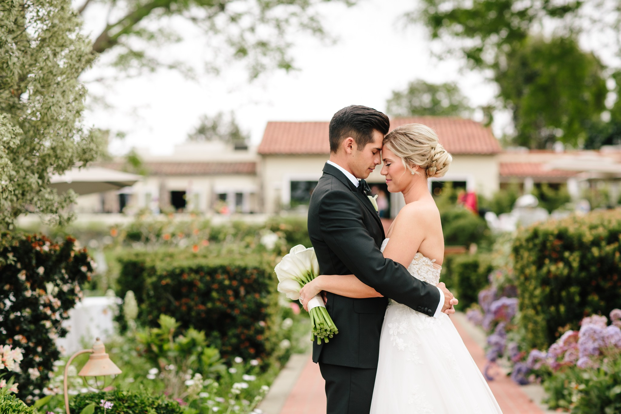 THEDELAURAS_THE_INN_AT_RANCHO_SANTA_FE_WEDDING_BRIDAL BOUQUET_BLOG004.jpg