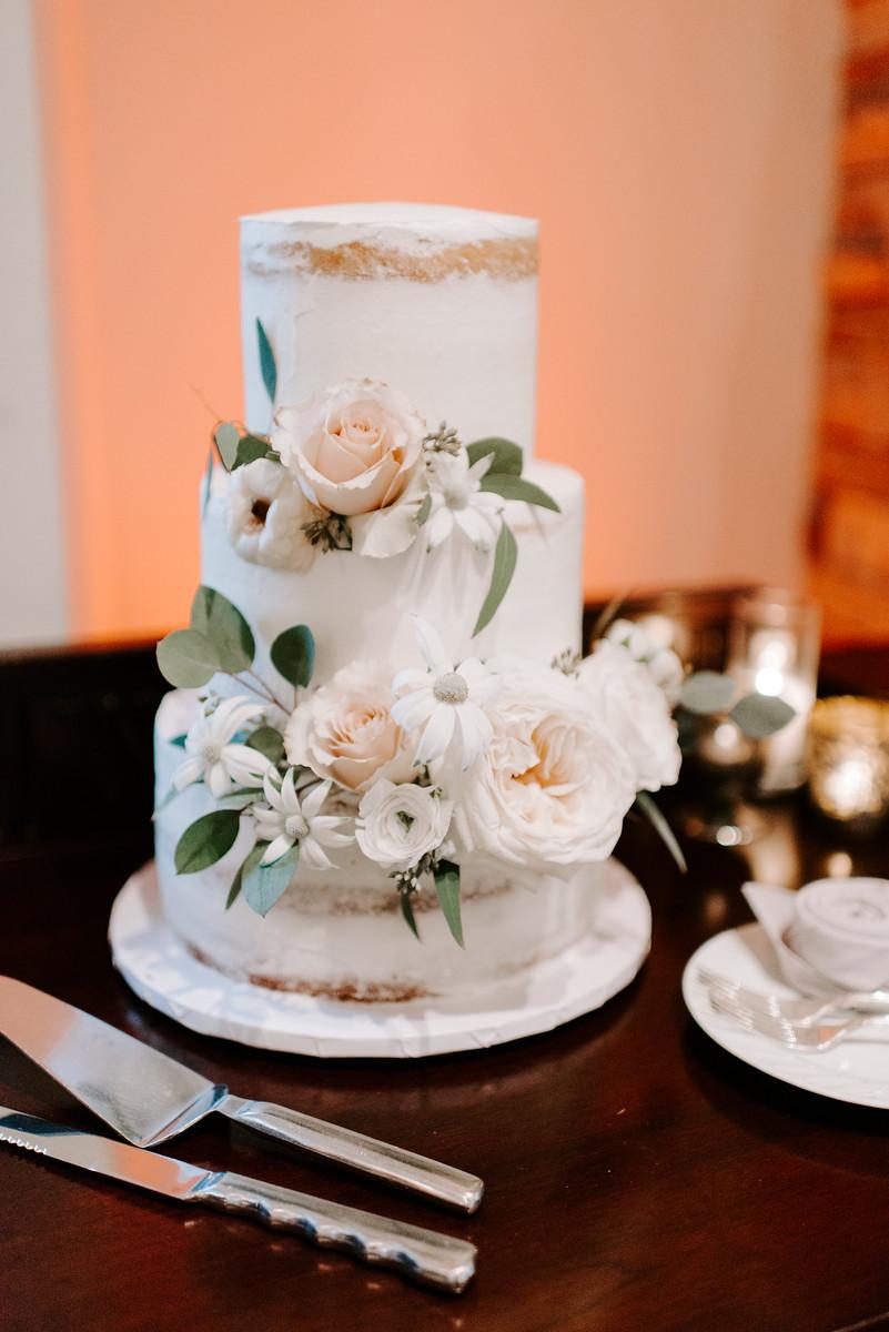 33 cake flowers.jpg