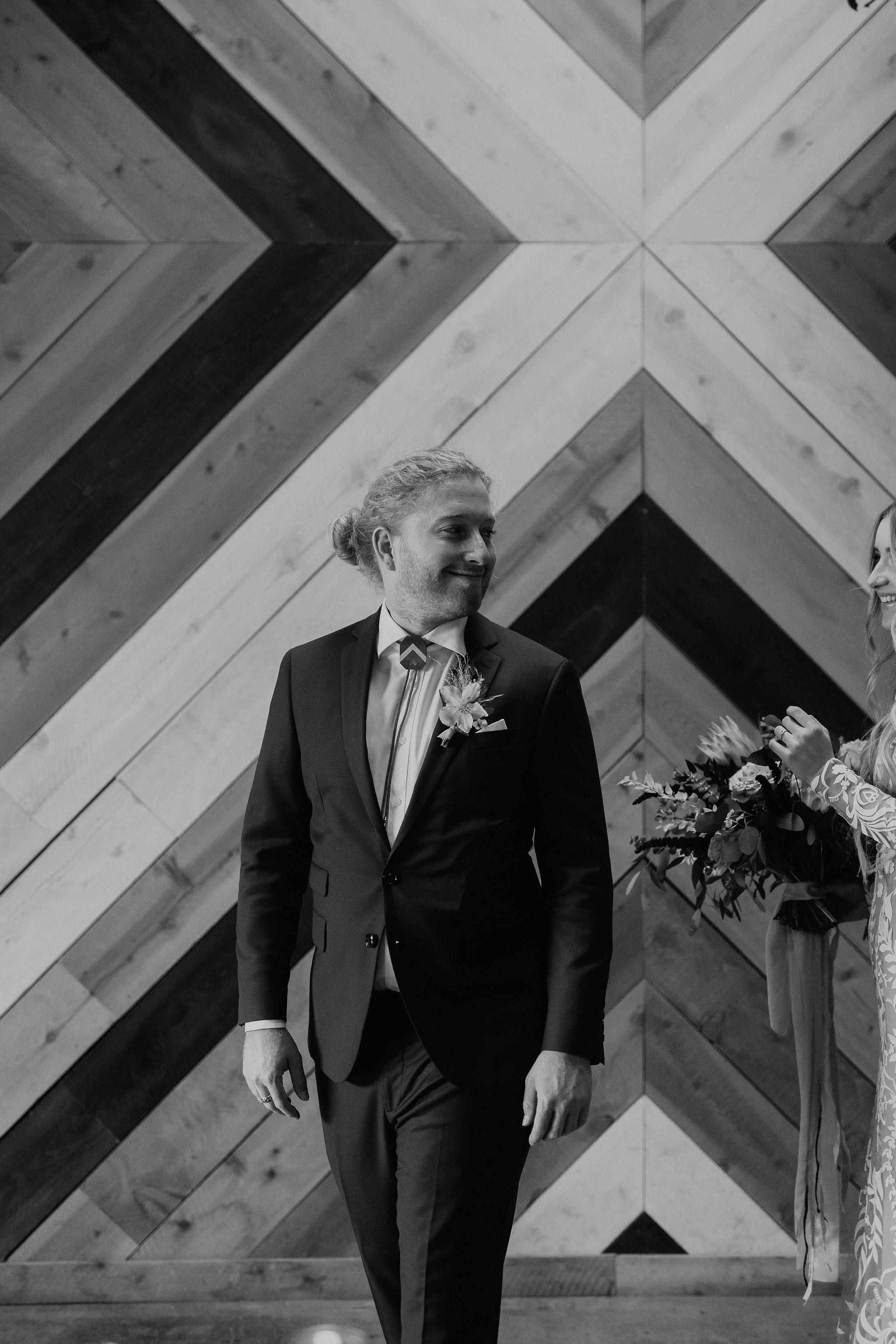 boho wedding first look 2.jpg