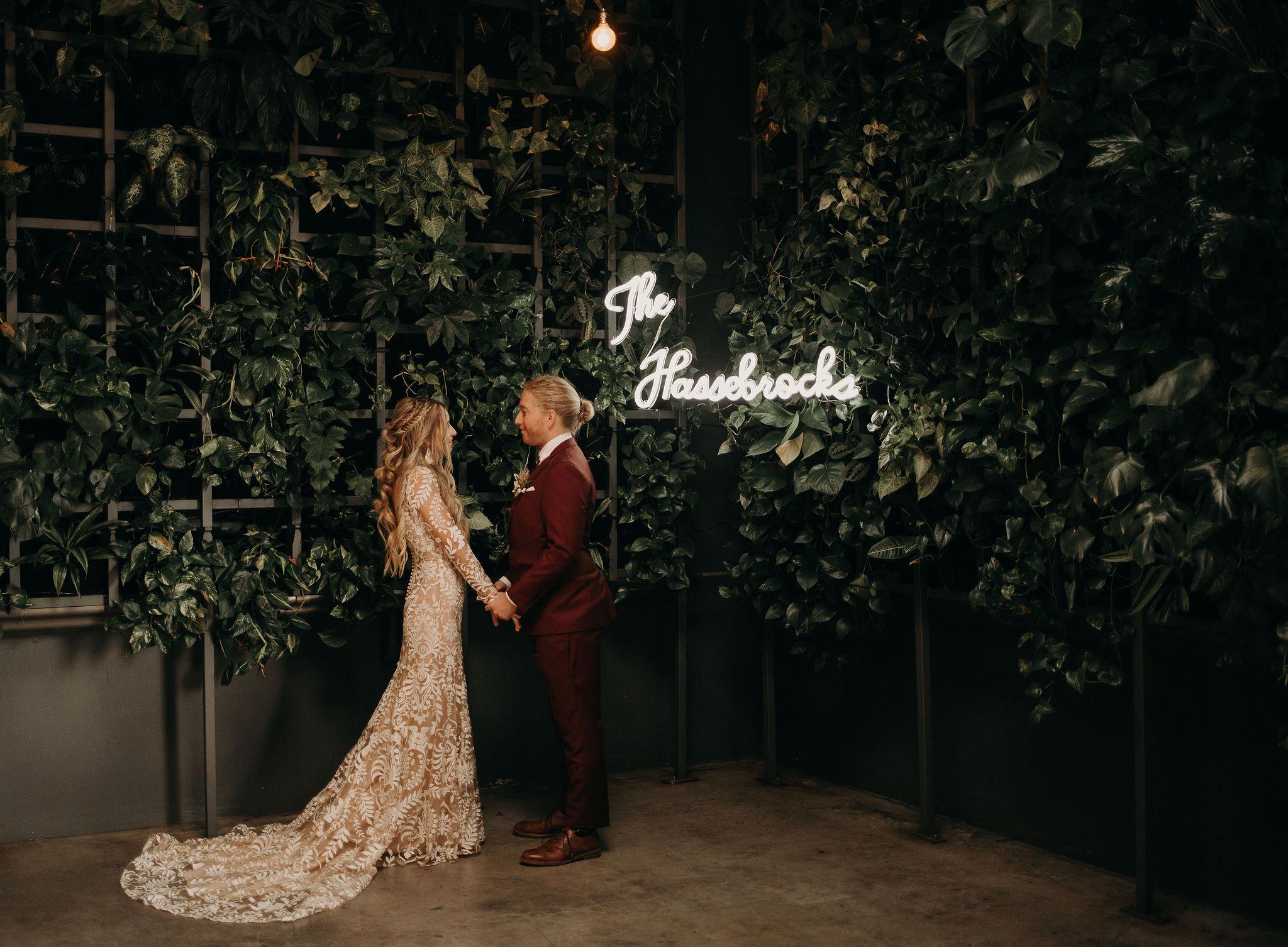 neon wedding sign.jpg