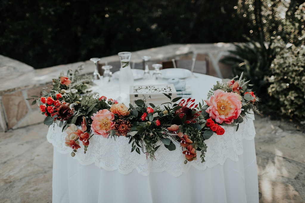 sweetheart table flowers 1.jpg