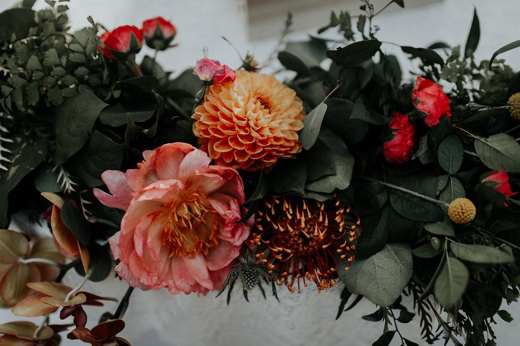 sweetheart table flowers 2.jpg
