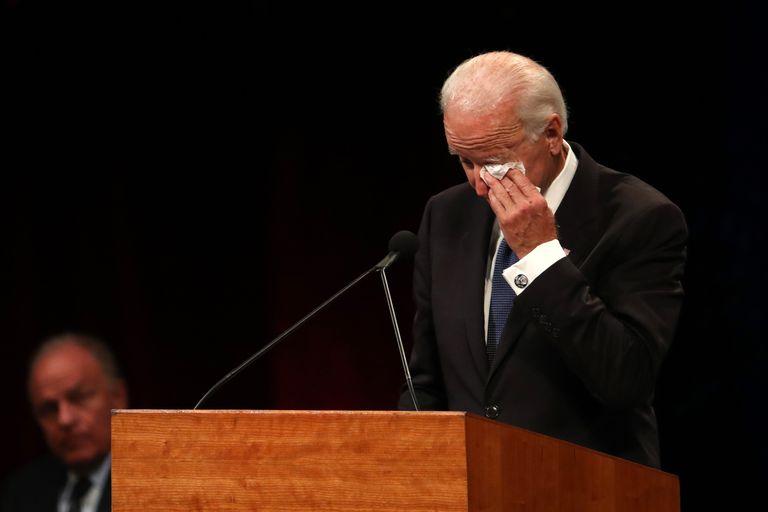 Joe Biden McCain.jpg