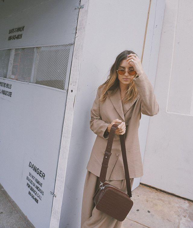 Beige 🐒 • • #styleblogger #fashionblogger #lotd #wiw #ootd #whowhatwearing #style #fashion #beige #neutrals #menswear #aesthetic