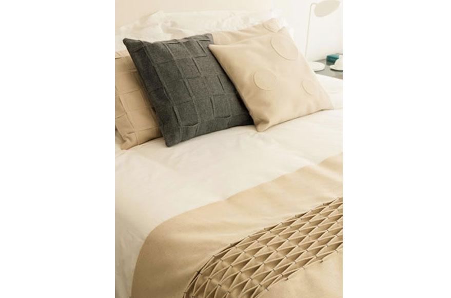 bedroom lisbon.jpg