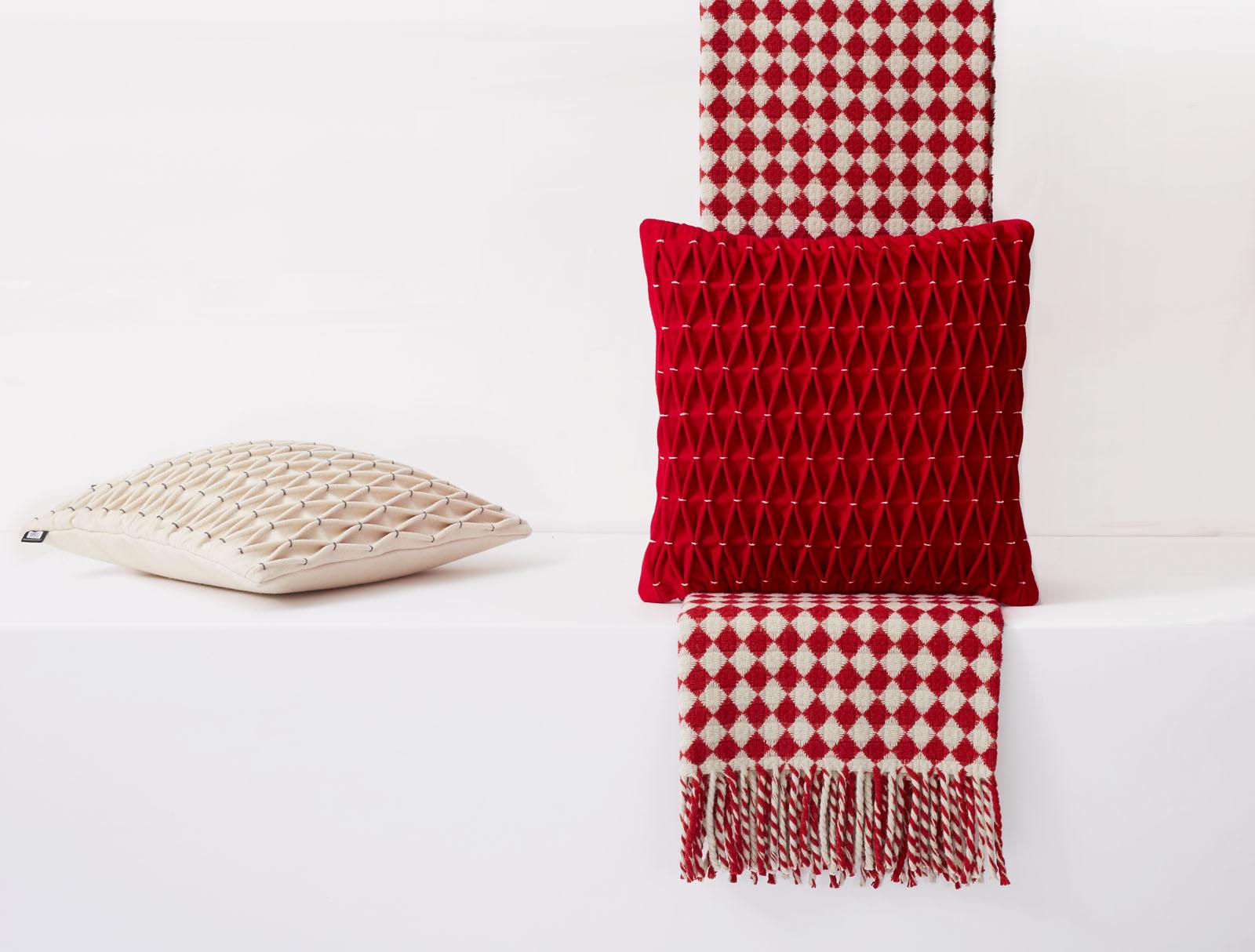 cushion throw test_733.jpg