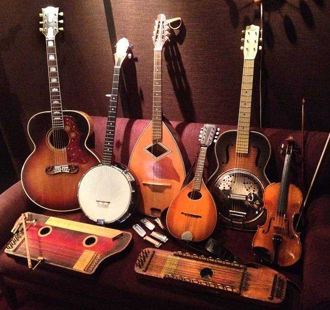 a few of the acoustic clan...