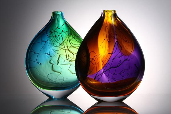 stuart-akroyd-elipse-vases-small.jpg