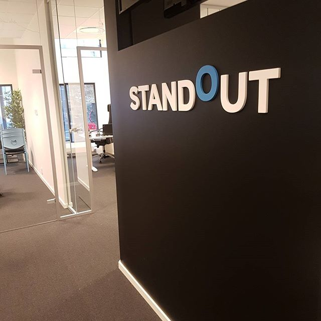 God Onsdag fra kontoret i Bergen! Kontakt oss gjerne for en uforpliktende jobbprat på +47 4006 8006.  #standout #standoutno #office #bemanning #rekruttering #staffing #headhunting #recruit #job #design #business #bergen #norway #wedensday #standout