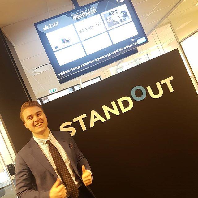 I dag har denne mannen bursdag! 🍸🍭🎖 Gratulerer med dagen til vår mann Vidar Skjørli.  #standout #standoutno #bergen #birthday #staffing #headhunting #recruiting #job #office #business #norway #oslo #sales #finance #rekruttering #bemanning