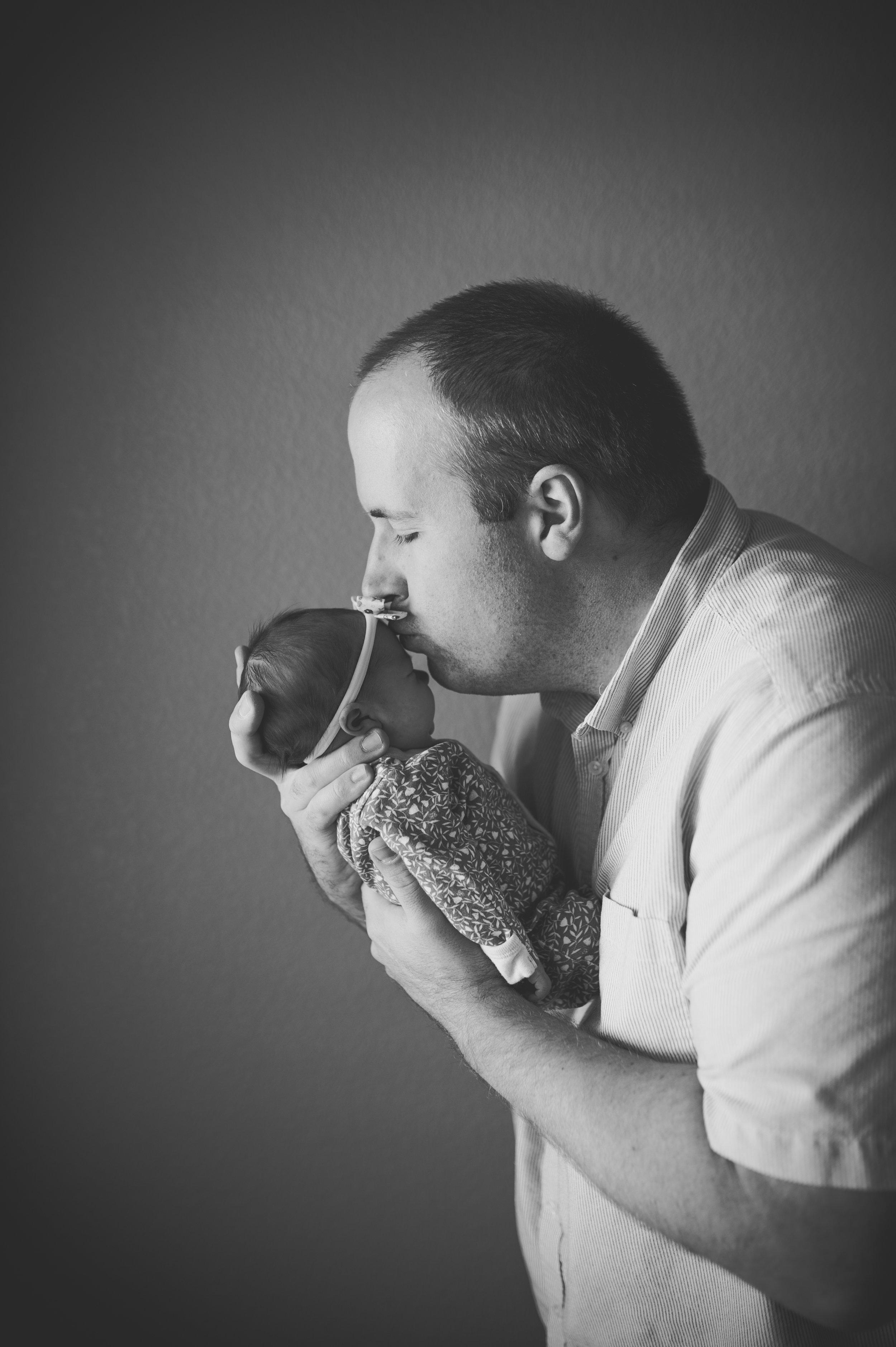 dad-newborn-photos