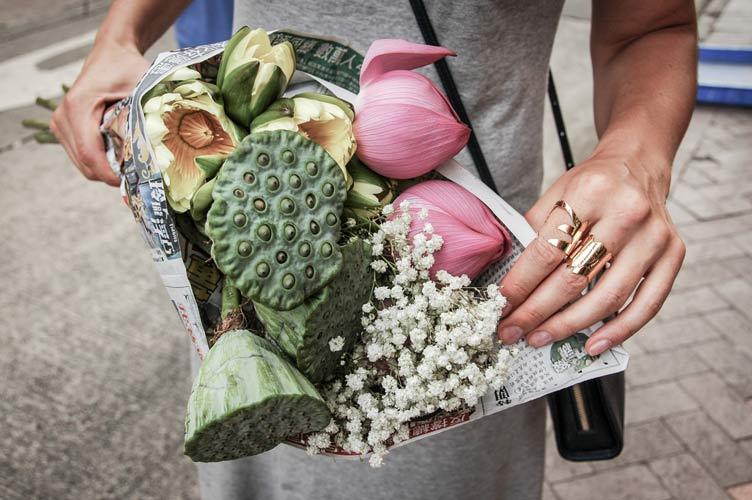 Flower bouquet by Frassaï ~ best hostess gifts