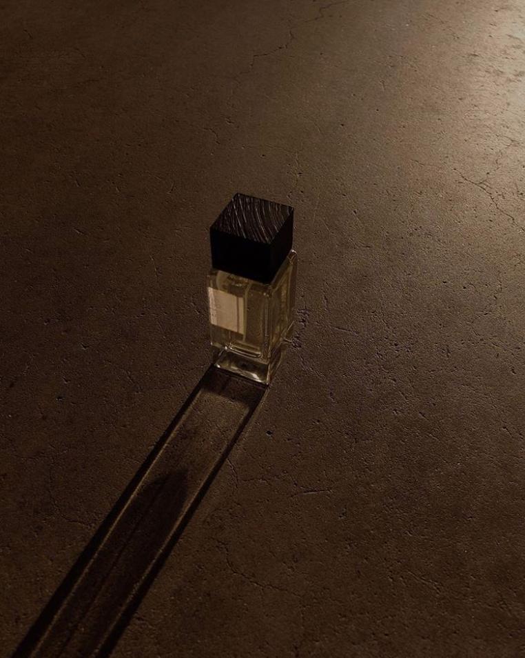 Verano Porteño eau de parfum FRASSAÏ photographed by Gioia Giustino