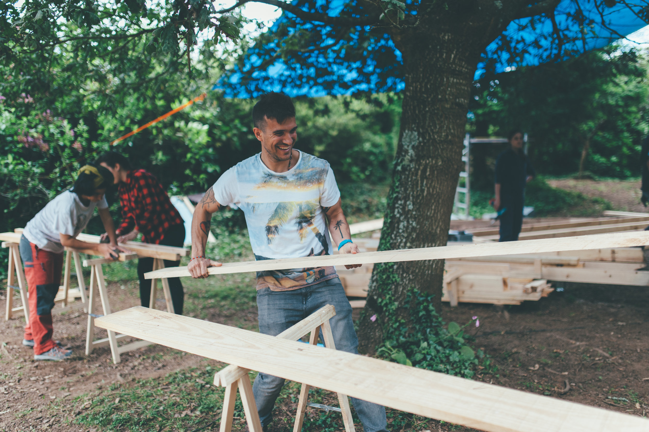 Taller de construcción de cabañas en Castelo Studio