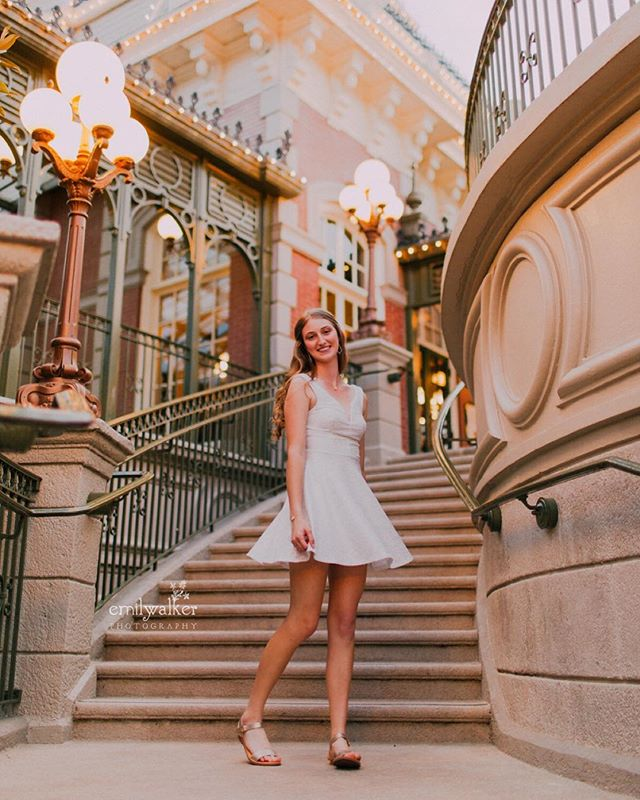 Twirling through the kingdom with April, class of 2019. ✨ Our afternoon was filled with golden light and all things magical.  #classof2019 #seniorphotos #emilywalkerphotography
