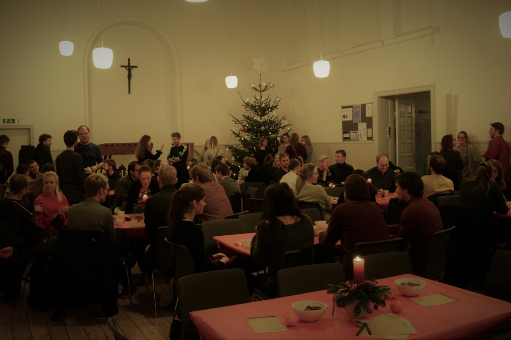Til til at få sagt glædelig jul over en kop kaffe efter gudstjenesten.