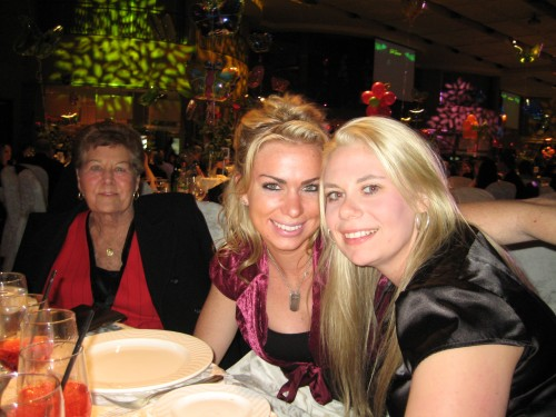 Amanda Steele and Kara Niesen