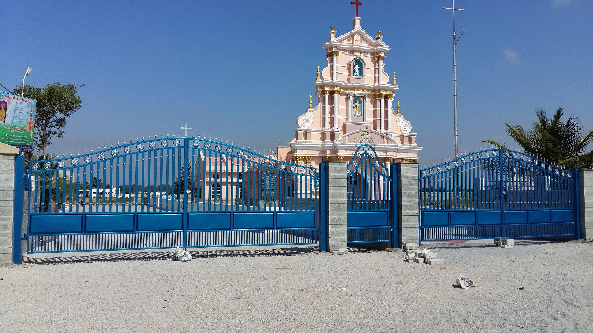 Entrance_Gate_4.jpg