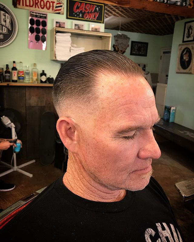 💈Stop in and get Shined up!💈 Only a few spots left today.  Walk- ins tomorrow.  Get in where you fit in 1927.  Cut by @mfmeatball_1927  styled with @shinergoldpomade  #midtownsfinest #barbershop #1927barbershop #shinergold