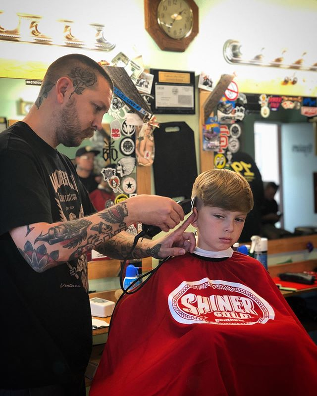 @joshgates taking care of his longest standing client.  His nephew Dash has been getting his haircuts from uncle josh since he was 2.  #midtownsfinest #barbershop #1927barbershop #1927family #shinergold #shinergoldfamily