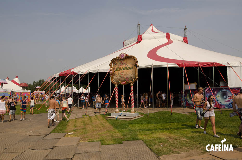 2011_cafeina Tomorrowland2.jpg