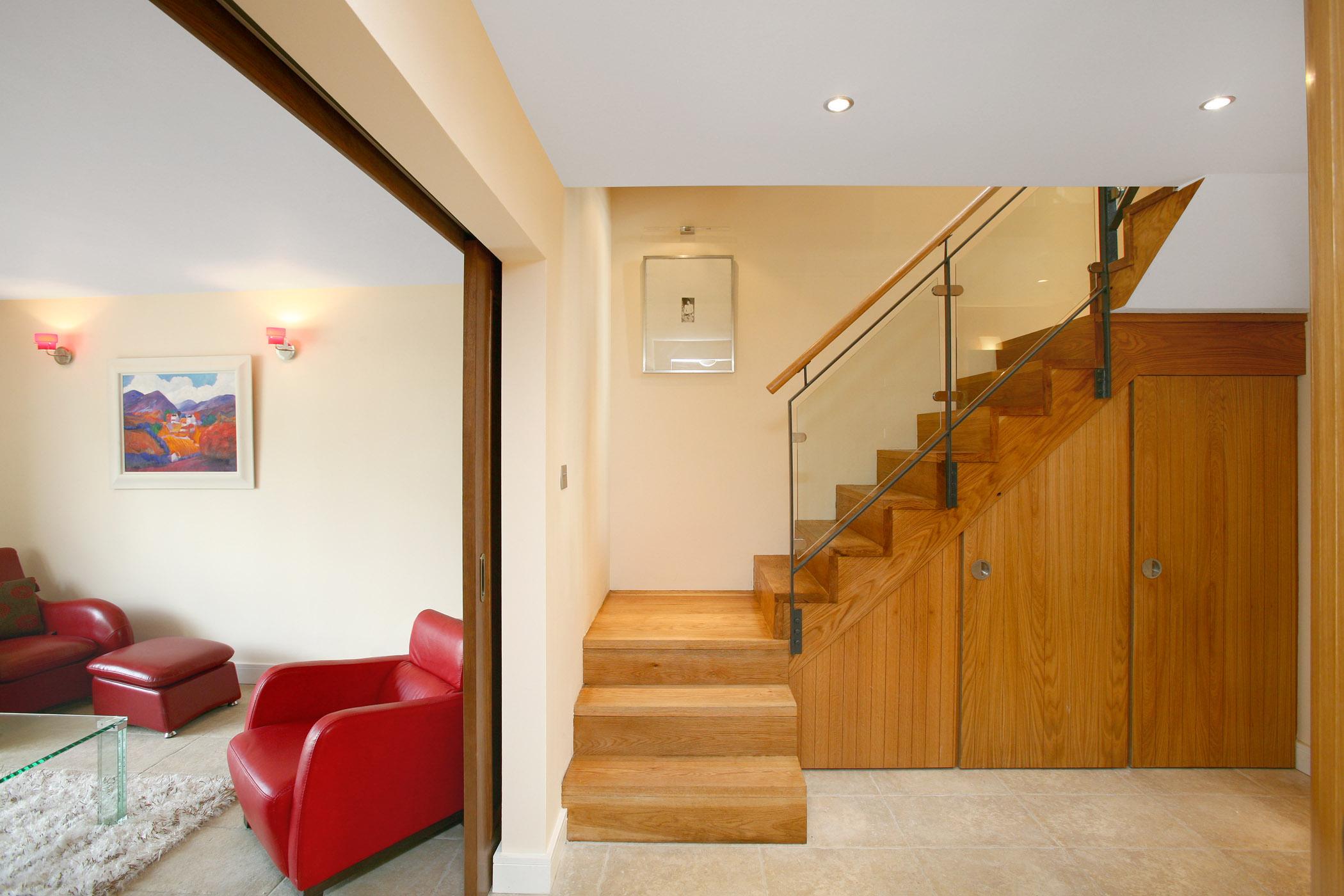 Renovation_Staircase_Modern_Oak.jpg