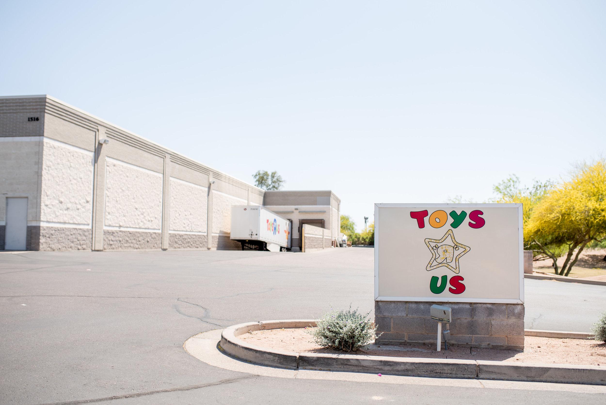 YoysRUs-1.jpg