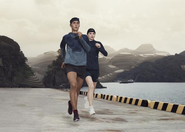 SP16_NikeLab_Gyakusou_2_52811.jpg