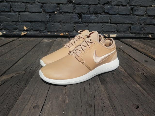 Nikelab Roshe Two Leather Premium