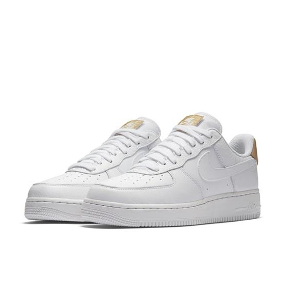 NIKE AIR FORCE 1 '07 LV8 4.jpg