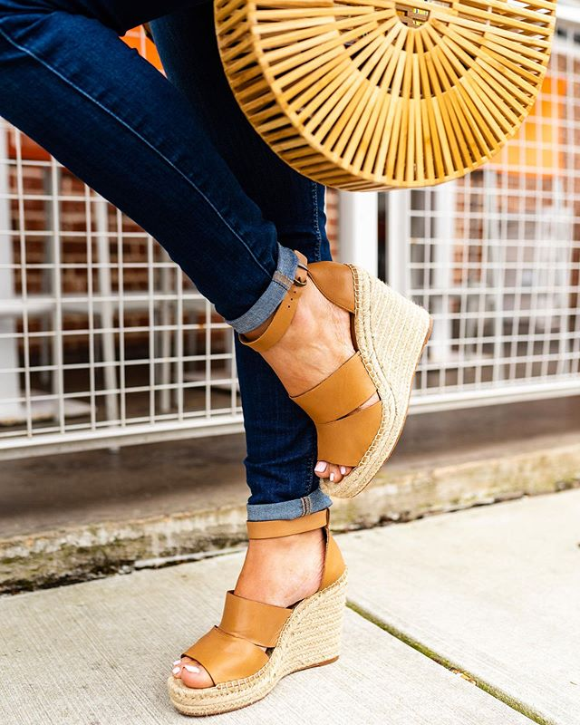 💙 SALE alert! 💙 Some of the best espadrille wedges EVER are now 35% off and just $49! 🤗 Best part is they are super COMFY & fully stocked in multiple colors...and ship FREE! 🙌🏻 Swipe left to see how cute they are paired with a dress, too! 💕 Speaking of this dress, I just found it on clearance, and sharing a full-length pic of it on stories. It's the cutest for vacay! 😎 Also, this bamboo bag is an under-$30 Amazon find! Get all the details via the @liketoknow.it app or via the link in my profile. http://liketk.it/2D8Zi #LTKshoecrush #LTKsalealert || 📸. @kvcphotography