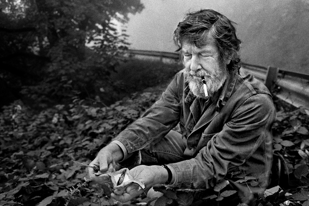 Cage collecting mushrooms, Grenoble, France, 1972 (photo: James Klosty)