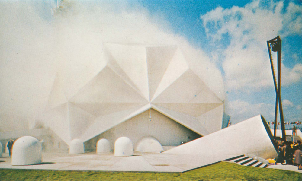 "Robert Breer's ""floats"" amid Nakaya Fujiko's fog sculpture, Pepsi Pavilion, Expo '70, Osaka, Japan."