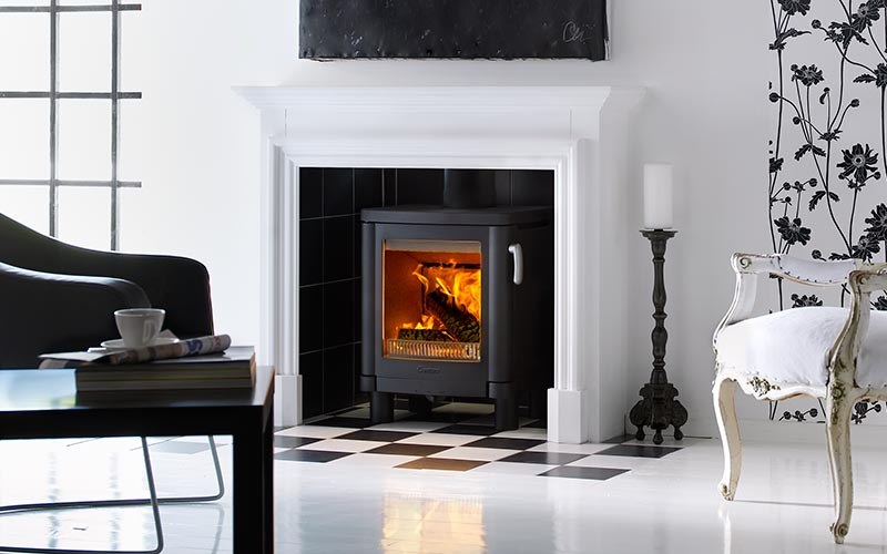 Contura 51L, cast iron, with short legs - ideal for a recessed fireplace.