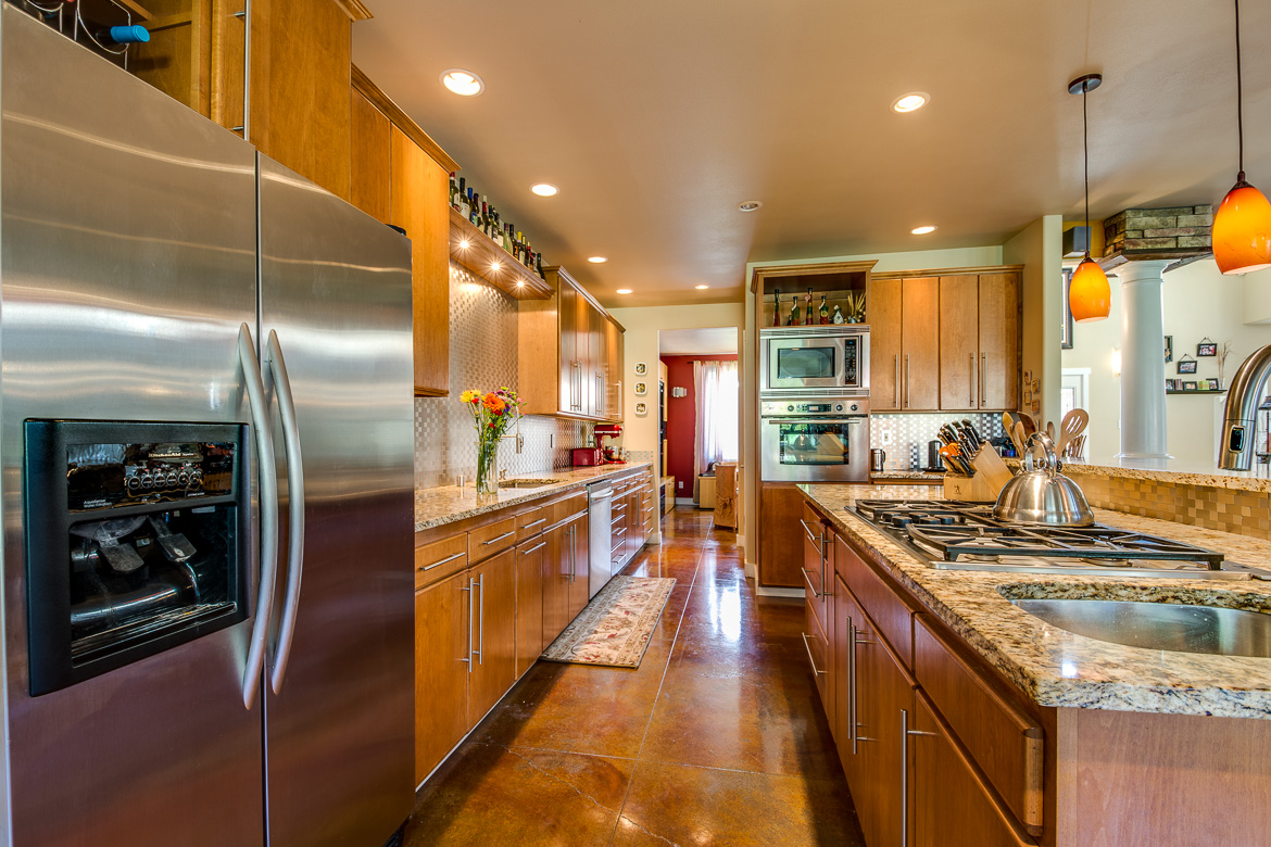 549 Brindle Place Camano Island-13 Blended 2016-SMALL.jpg